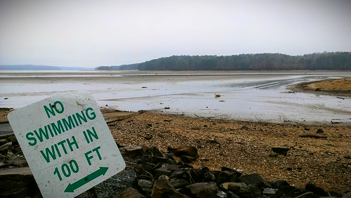 usa lake fish water ga georgia fishing drought boating canton cherokeecounty armycorpsofengineers lakeallatoona flickrandroidapp:filter=none