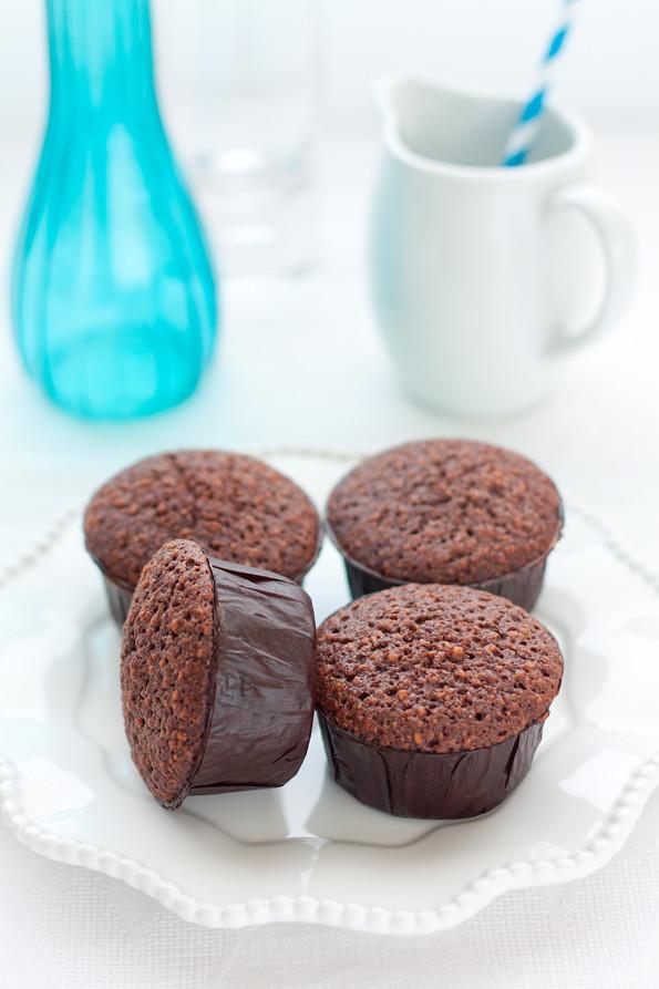 Friands al cioccolato e nocciole