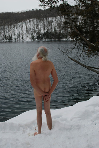 The naked blogging tradition continues, even in the snow