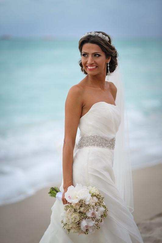 elegant beach bride, classic destination bride, destination wedding jewelry, destination wedding  bridal head piece