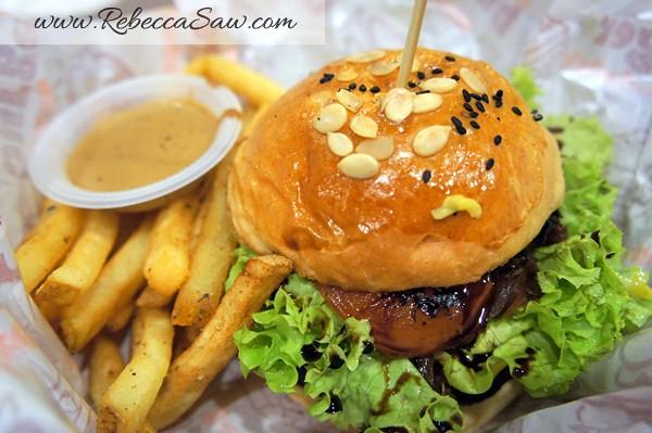 Burger Junkyard-005