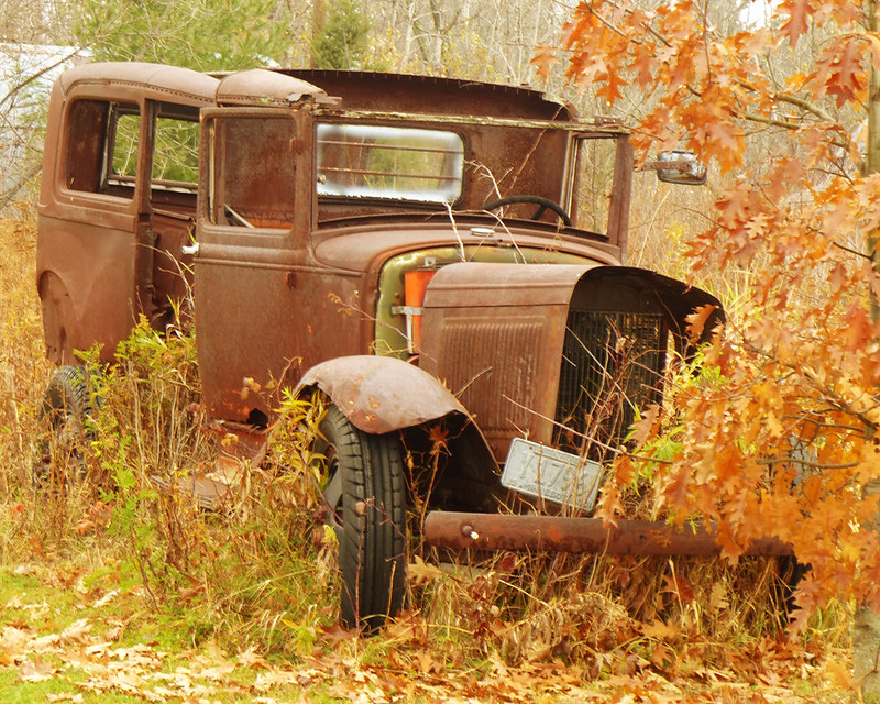Can you identify the model, make, or year of this car? (vehicles ...