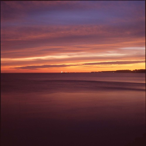 sea sky cloud 6x6 water sunrise mediumformat river virginia wave mf yashicamat124 yorkriver fujiprovia400x epsonv600