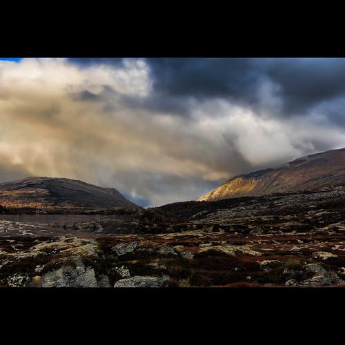 autumn snow mountains colors weather 2470mmf28g dovrefjellsunndalsfjellanationalpark