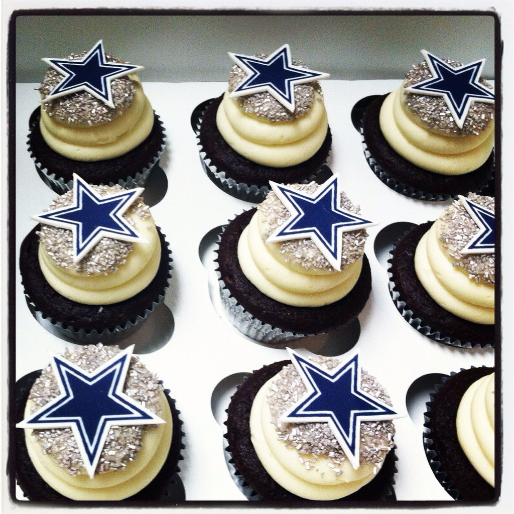 Dallas Cowboy Star Cupcakes A Photo On Flickriver