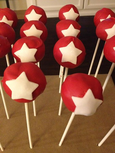 Star Cake Pops And Cute Cupcakes From Houston S Stella Bakes