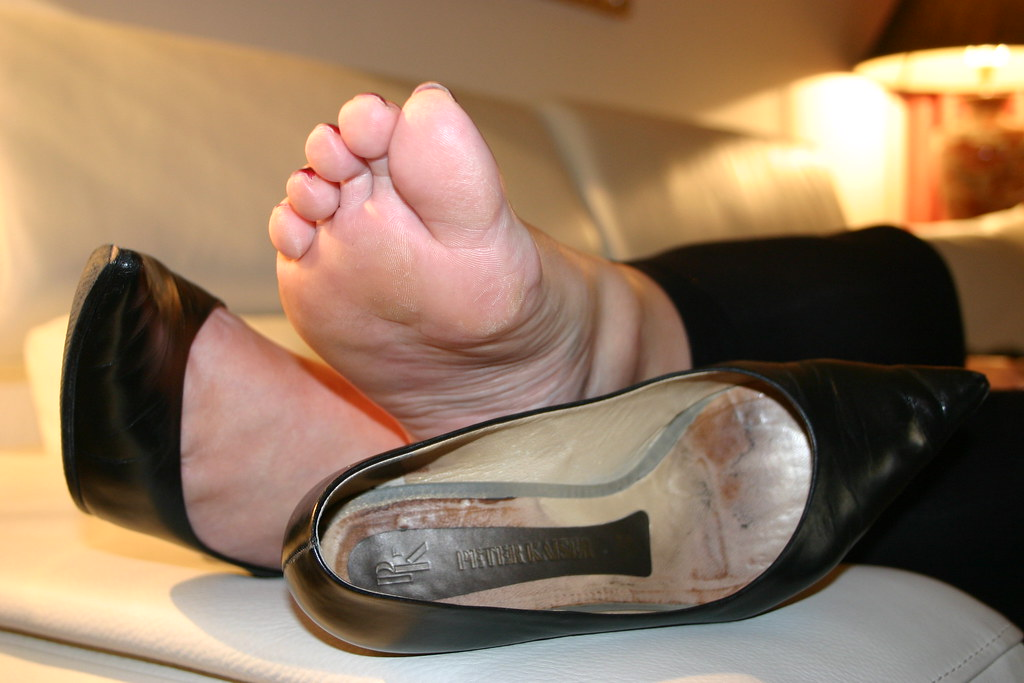 038  Hot Smelly Secretary Soles  Fussduft  Flickr-9443
