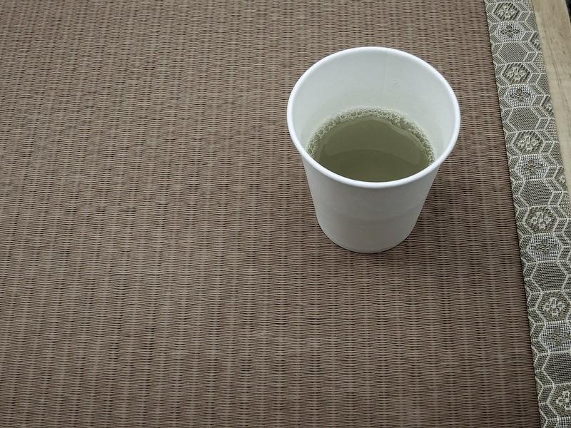 タダで配っていたからもらって飲んだお茶