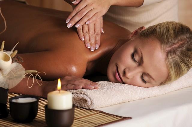 Yaksheeta Beauty parlour Swedish Massage chennai