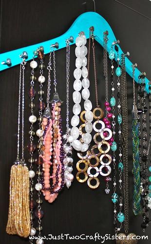 Hanger Necklace Rack DIY
