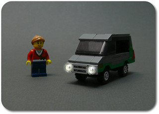 LEGO Minivan (1)