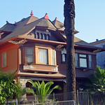 08a 826 S Burlington Ave - Victorian Queen Anne with slight Shingle Style (E)