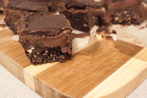 Vegan, Gluten-Free Triple Chocolate Nanaimo Bars - Ceci n'est pas un ...