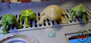 Nickelodeon  TEENAGE MUTANT NINJA TURTLES :: MUTAGEN OOZE xxv  / BONUS MINI TURTLES MIKE,LEO, & DON with GLOW-in-the-Dark PREMUTANT TURTLE '89 (( 2013 ))