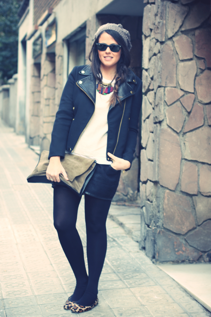 Look shorts negros + bailarinas de leopardo