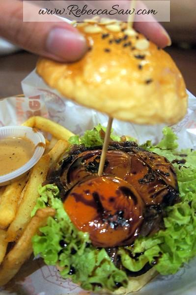 Burger Junkyard-006