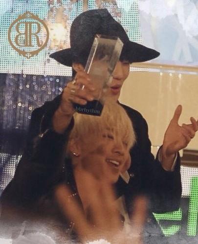 Taeyang-MelOnAwards2014_1-44