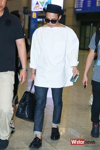 GDragon-IncheonAirport-backfromHongKong_20140806 (16)