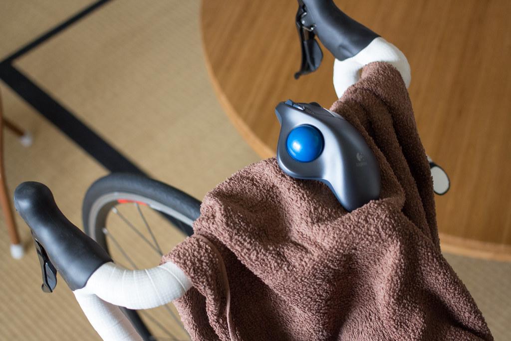 自転車の上で操作(笑