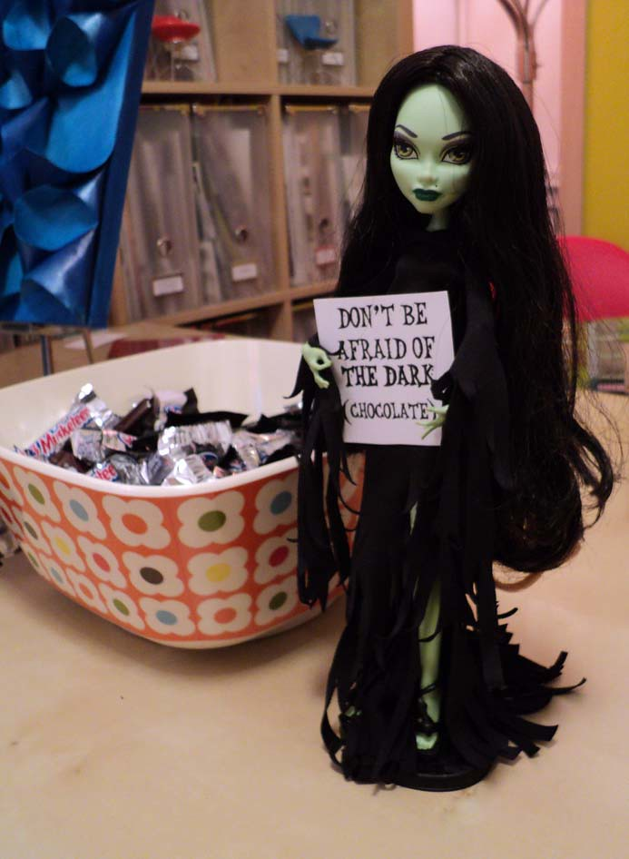Elphaba says don't be afraid of the dark (chocolate)