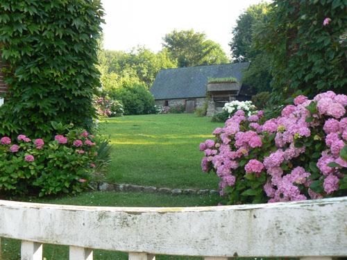 grange et jardin.jpg