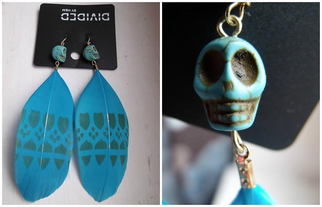 Blue Skull earring H&M