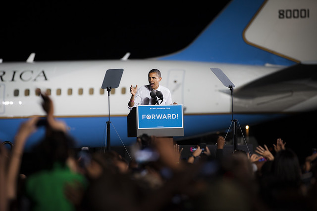 Obama on Cleveland Tarmac- OH-4