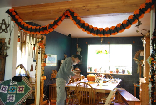 2012-10-24-HalloweenHouse-01