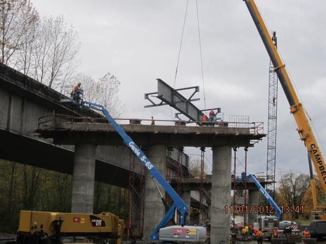 Setting girders for new SR 522 Snohomish River Bridge | Flickr