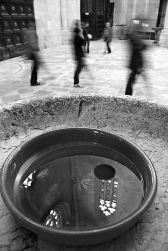 [ Pila de agua bendita ] by JoanOtazu