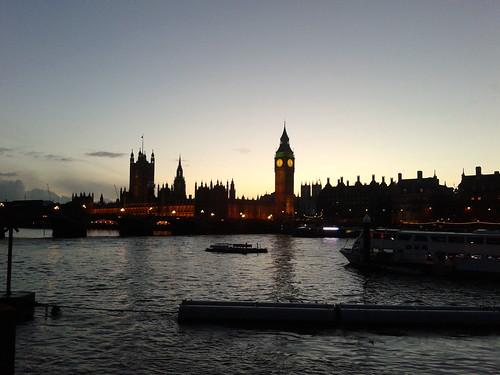 Big Ben e Parlamento al tramonto