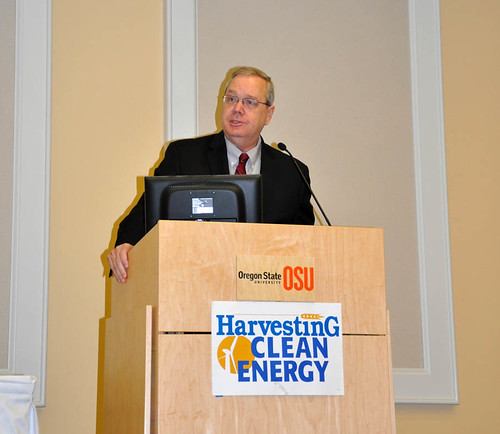 Under Secretary Tonsager delivers the keynote address at the Harvesting Clean Energy Conference in Oregon.
