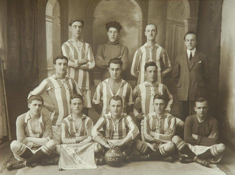 Voetbal team Liberale Kring van Rabot en Brugsepoort, Gent, 1924