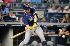 The Rays' Evan Longoria prepares to swing at a pitch in the third inning.