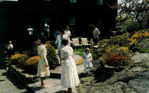 Guests arriving at our wedding on Stony Brook Road in Marblehead, MA