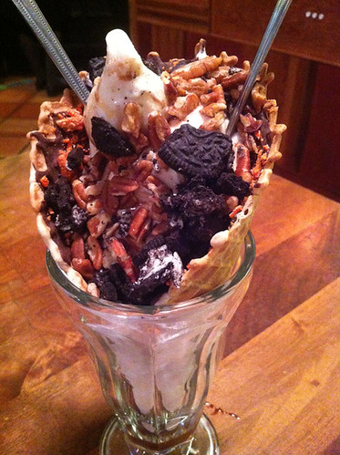 Turtle Sundae with Oreo Bits