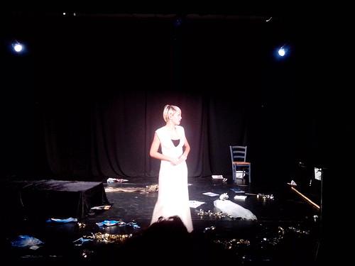 Allo spettacolo di Elisabetta by Ylbert Durishti