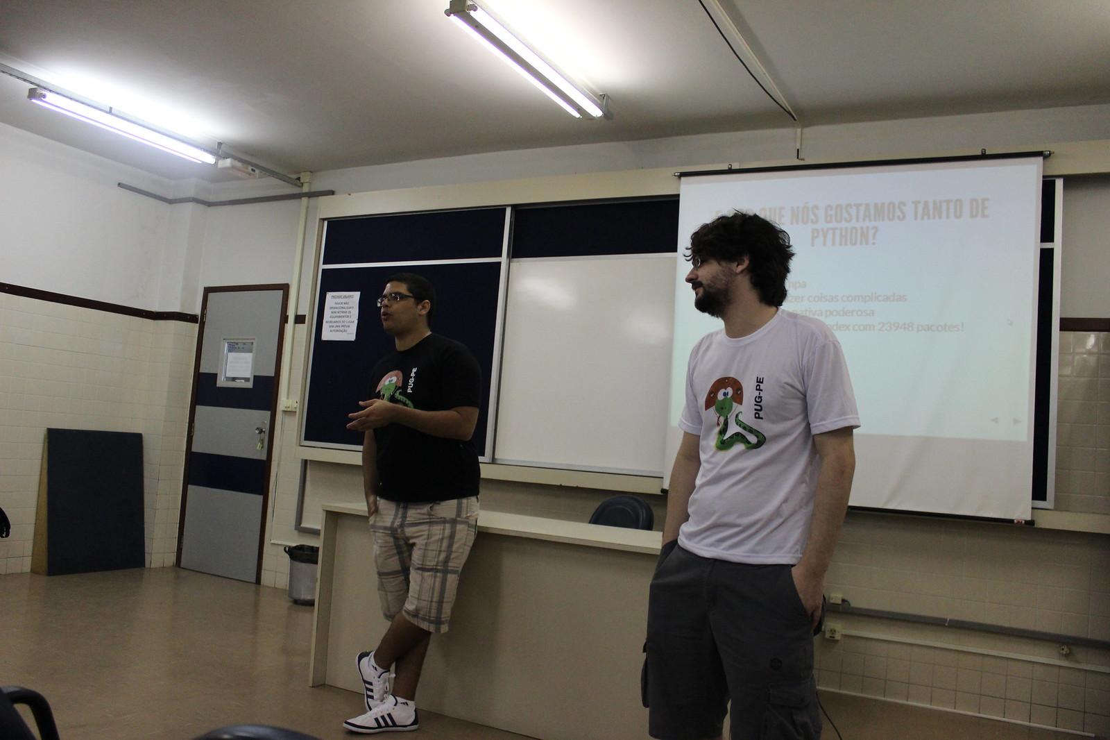Apresentação sobre o PUG-PE por Fernando e Renato