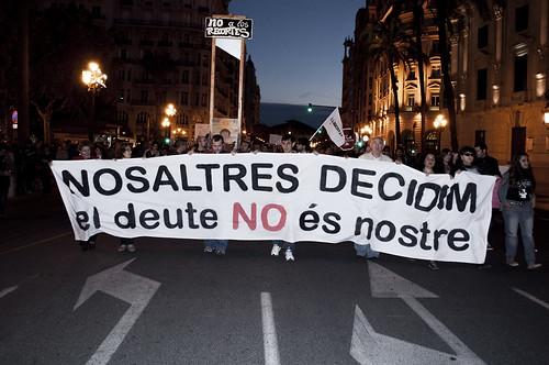 Manifestación 27O: NOSALTRES DECIDIM - el deute NO es nostre