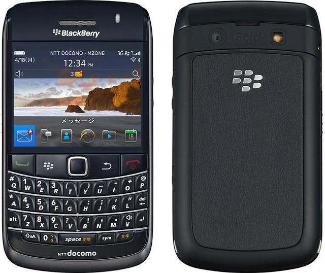 BlackBerry Bold 9780 実物大の製品画像