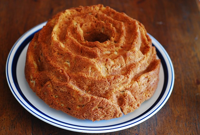apple bundt cake out of the bundt pan!