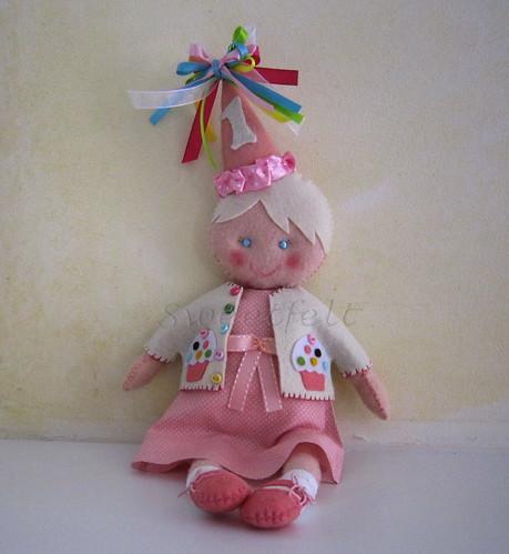 ♥♥♥ Bonequinha da Audrey... by sweetfelt \ ideias em feltro
