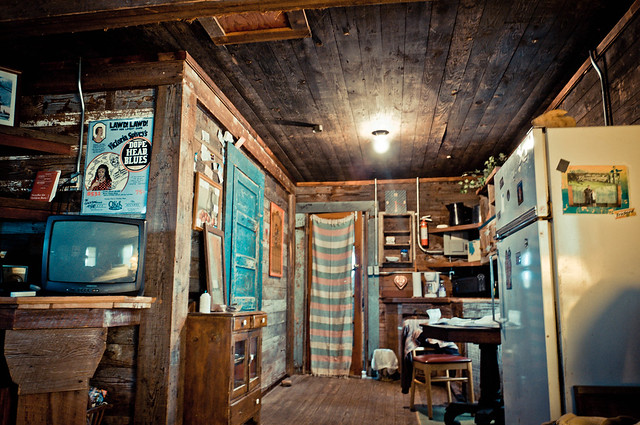 Inside the Crossroads Shack - The Shack Up Inn - Clarksdale, MS | PopArtichoke