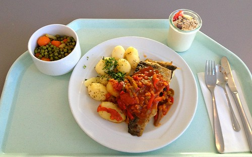 Forellenfilet auf Balkan-Art mit Rosmarinkartoffeln / Trout filet balkan style with rosemary potatoes