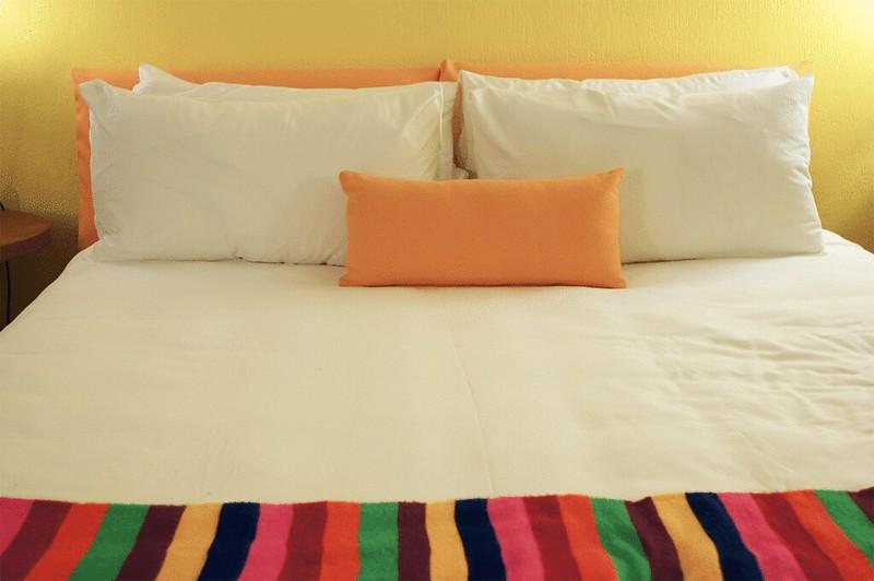 SaguaroHotel_bed