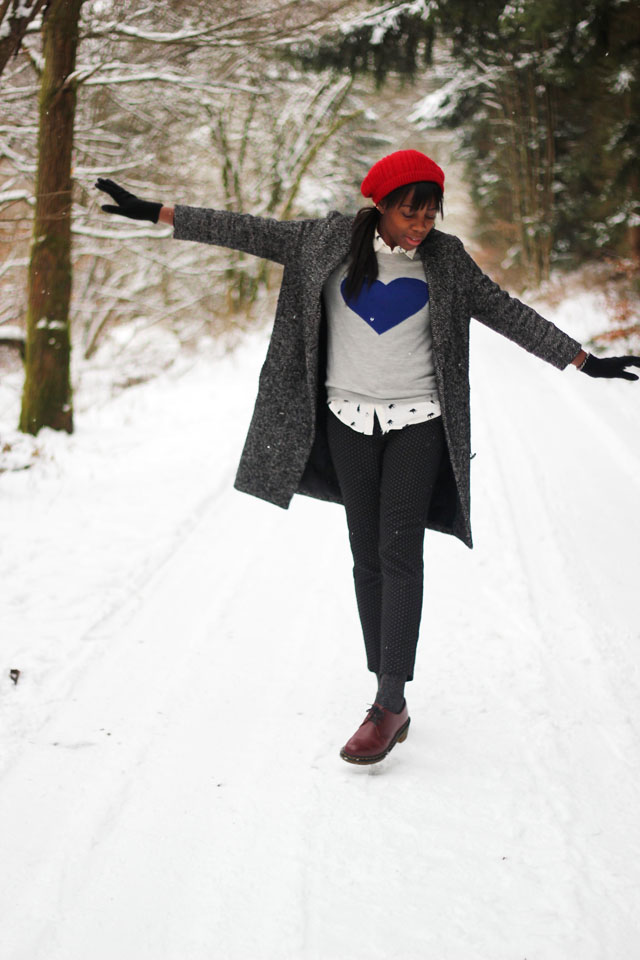 how to dress for snowy weather
