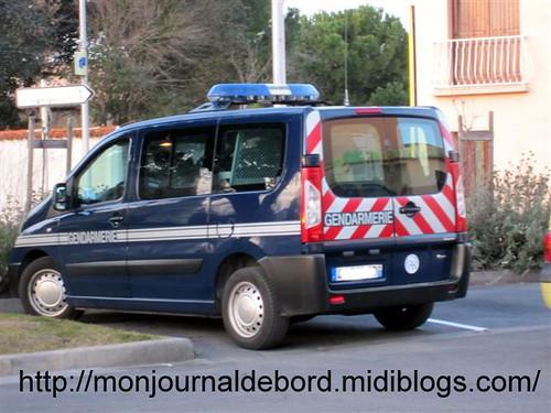 Vehicule gendarmerie