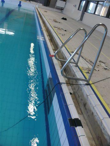 Nieuwe grijprand in zwembad