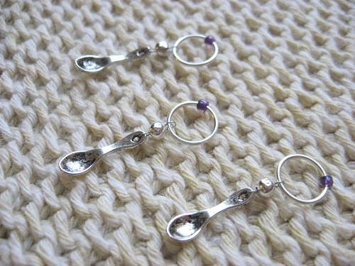 snag free spoon stitch markers