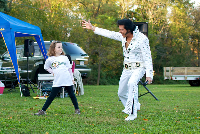 Air Guitar with Elvis